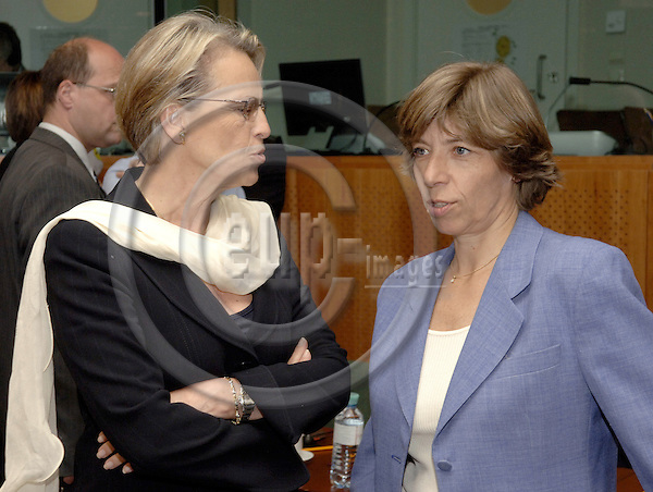 Brussels-Belgium - 15 May 2006---European Ministers for Foreign Affairs and Defence meet on EU-Council-level; here, Michèle ALLIOT-MARIE (le), Minister for Defence of France, with Catherine COLONNA (ri), Minister with responsibility for European Affairs of France---Photo: Horst Wagner/eup-images