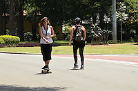 SÃO PAULO, SP, 03 DE FEVEREIRO DE 2012 - CALOR IBIRAPUERA  - Paulistano aproveita dia tarde ensolarada e quente no Parque do Ibirapuera. FOTO: ALEXANDRE MOREIRA - NEWS FREE.