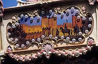 Europe/France/Languedoc-Roussillon/11/Aude/Carcassonne: Détail d'un manège forain représentant des scènes de la cité