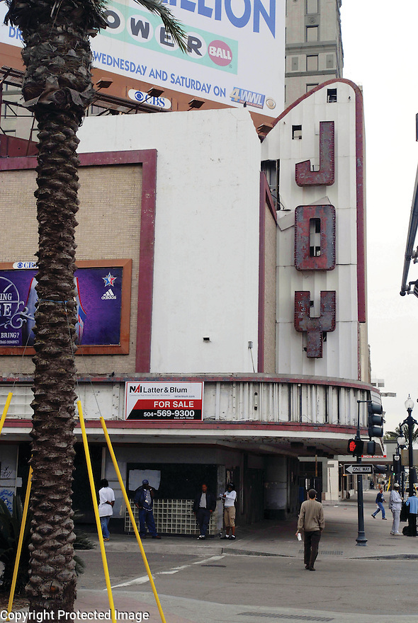 Joy Theater sits blighted, 2008