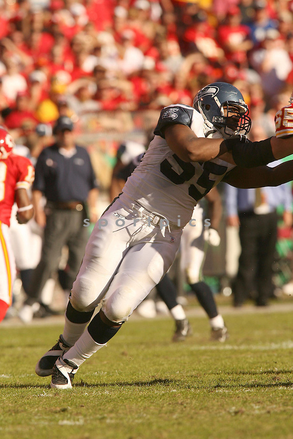 DARRYL TAPP, of the Seattle Seahawks in action against the Kansas City Chiefs on October 29, 2006 in Kansas City, MO...Chiefs win 35-28..Kevin Tanaka/ SportPics
