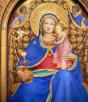 Gothic Altarpiece of Madonna and Child by Giovanni de Bologna, circa 1380-1389, tempera and gold leaf on wood.  National Museum of Catalan Art, Barcelona, Spain, inv no: MNAC  212802.