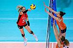 25.08.2018, …VB Arena, Bremen<br />Volleyball, LŠnderspiel / Laenderspiel, Deutschland vs. Niederlande<br /><br />Angriff Jana Franziska Poll (#5 GER) - Block / Doppelblock Nicole Koolhaas (#22 NED), Lonneke Sloetjes (#10 NED)<br /><br />  Foto &copy; nordphoto / Kurth