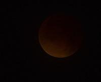 "SISGA -COLOMBIA. 15-04-2014. Eclipse lunar observado desde Colombia y <br /> es el primero de la tétrada de ""Lunas Rojas"" que se repetirá cada seis meses en un lapso de año y medio./ Aspect of the lunar eclipse seen from Colombia and is the first of the tetrad of ""Red Moons"" (four total lunar eclipses in series) that will be repeat each six months in a span of a year and half.   Photo: VizzorImage/Gabriel Aponte/ Str"