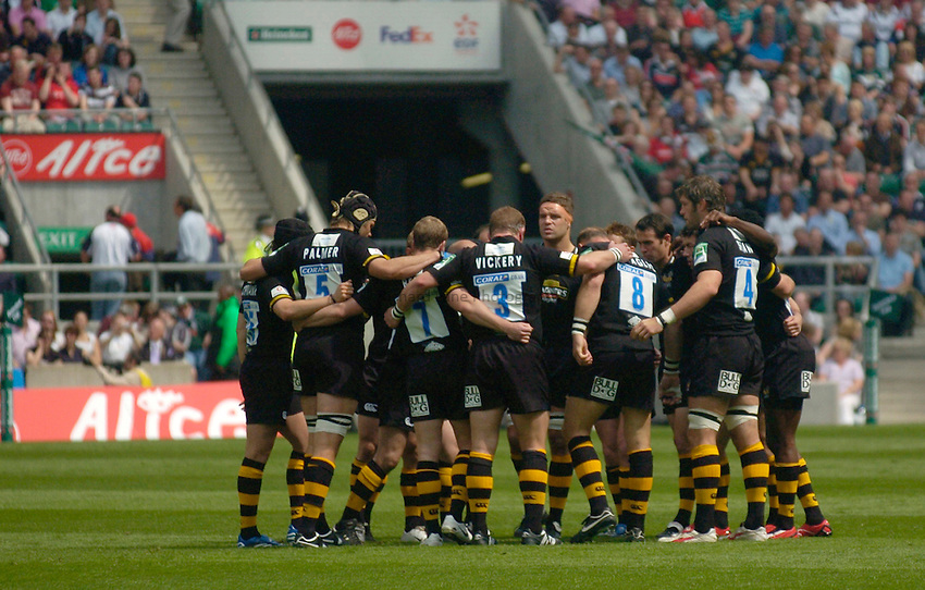 Photo: Richard Lane..London Wasps v Leicester Tigers. Heineken Cup Final. 20/05/2007..Wasps team huddle.