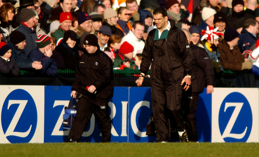Photo: Richard Lane..Ulster Rugby v Leicester Tigers. Heinenken Cup. 11/01/2004..Martin Johnson walks out as he starts the game on the bench.