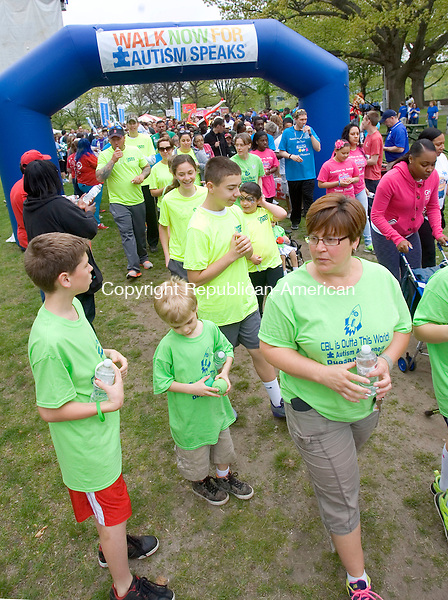 WATERBURY CT. 09 May 2015-050915SV06-Over 2500 walkers take off during the 6th annual Western Connecticut Walk Now for Autism Speaks in Library Park in Waterbury Saturday.<br /> Steven Valenti Republican-American