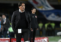 BOGOTA - COLOMBIA -24 -09-2017: Flabio Torres técnico de Deportivo Pasto gesticula durante partido con Millonarios por la fecha 13 de la Liga Aguila II 2017 jugado en el estadio Nemesio Camacho El Campin de la ciudad de Bogotá. / Flabio Torres coach of Deportivo Pasto gestures during match against Millonarios for the date 13 of the Liga Aguila II 2017 played at the Nemesio Camacho El Campin Stadium in Bogota city. Photo: VizzorImage / Gabriel Aponte / Staff.