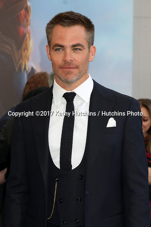 """LOS ANGELES - MAY 25:  Chris Pine at the """"Wonder Woman"""" Los Angeles Premiere at the Pantages Theater on May 25, 2017 in Los Angeles, CA"""