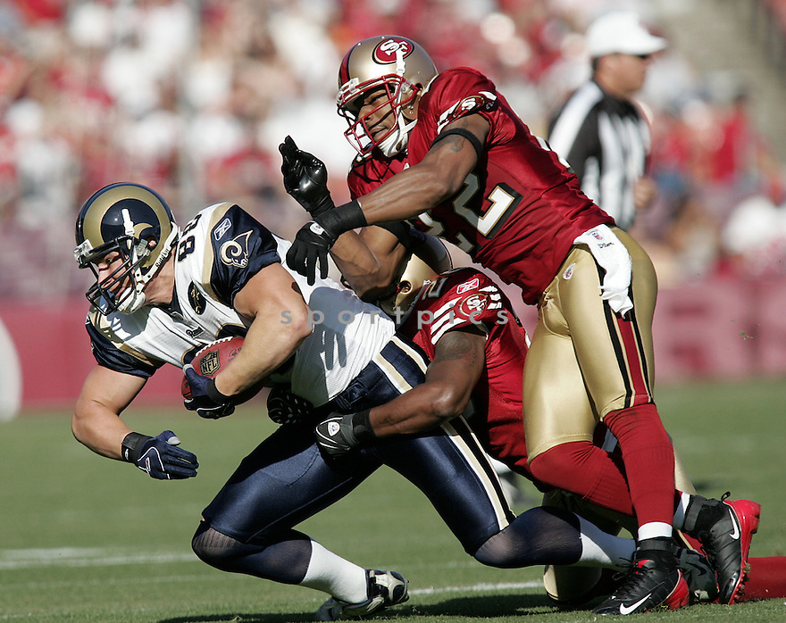 NATE CLEMENTS, of the San Francisco 49ers  in action against the St. Louis Ram during the 49ers game in San Francisco, California on November 16, 2008..49ers win 35-16