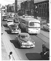 Trolleybus #4032, intersection Saint-Laurent et Van Horne.<br /> 1953.<br /> Source : Archives de la STM, S6/11.2.2.