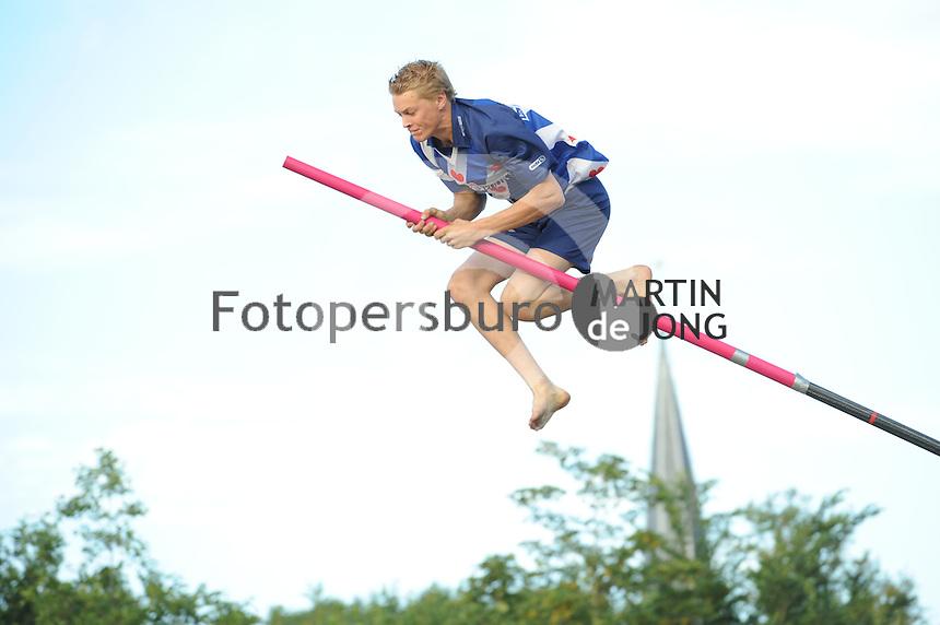 FIERLJEPPEN: WINSUM: 10-07-2015, ©foto Martin de Jong