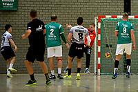 EMMEN - Handbal, E&O - Houten, Oosting Arena, Eredivisie Heren,  11-11-2017,  Thies Berendsen laat doelman Bas Bulthuis kansloos
