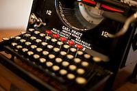 Itapecerica_MG, Brasil...Detalhe de uma maquina de escrever...A typewriter detail...Foto: LEO DRUMOND / NITRO