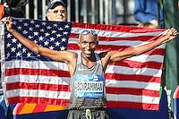 NEW YORK, NY, 06.11.2016 - MARATONA-NEW YORK - Abdi Abdirahman dos Estados Unidos comemora o terceiro lugar  na  Maratona Internacional de New York  nos Estados Unidos neste domingo, 06.(Foto: William Volcov/Brazil Photo Press)