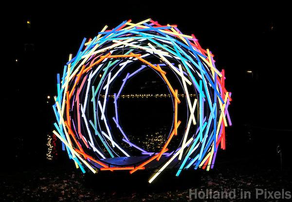Nederland  Amsterdam 2016. Amsterdam Light Festival. Kunstwerk Nest.  Foto Berlinda van Dam / Hollandse Hoogte