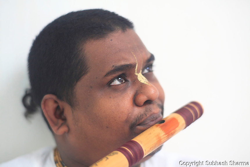 21 July 2016 - Mumbai, INDIA.<br /> The Shisyas (students) of Vrindavan Gurukul of  Pandit Hariprasad Chaurasia practice the Flute.<br /> <br /> (photo : Subhash Sharma)