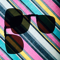 POLARIZED LIGHT<br /> Polarized Sunglass Visors At 90 Degree Angle<br /> (1 of 2)<br /> When lenses are at a 90 degree angle to each other, there is no transmission of light. The intensity of light transmitted through 2 polarizers depends on the relative orientation of their transmission axes.