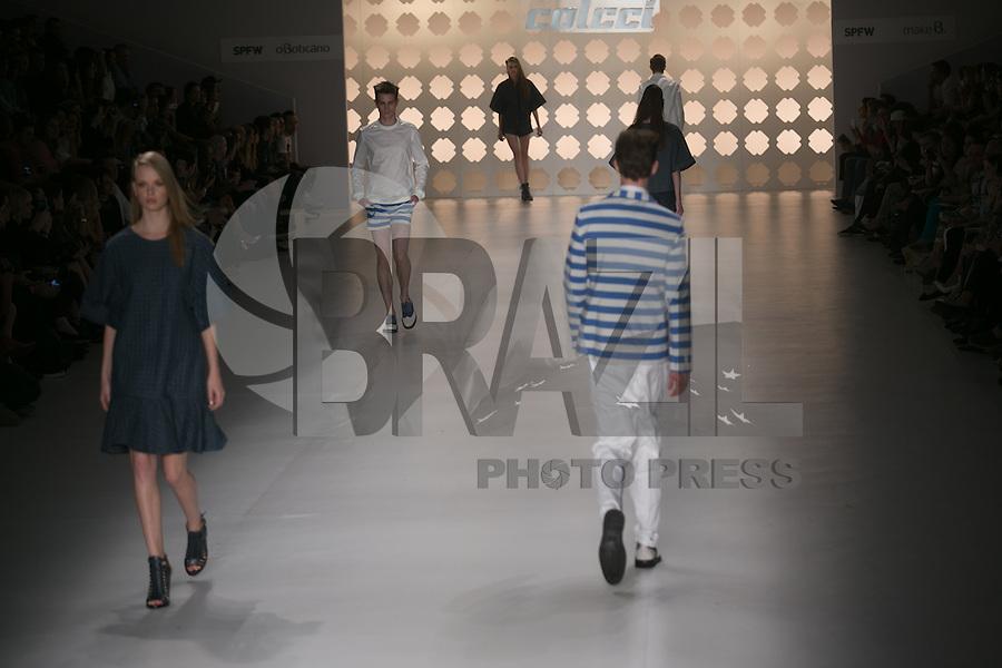 SAO PAULO, SP, 21 DE MARÇO DE 2013. SPFW - PRIMAVERA VERAO 2013 COLCCI. A marca Colcci apresenta sua coleção verão  2014 no quarto dia de desfiles da Sao Paulo Fashion Week - verão 2014 no Pavilhão da Bienal. FOTO ADRIANA SPACA/BRAZIL PHOTO PRESS