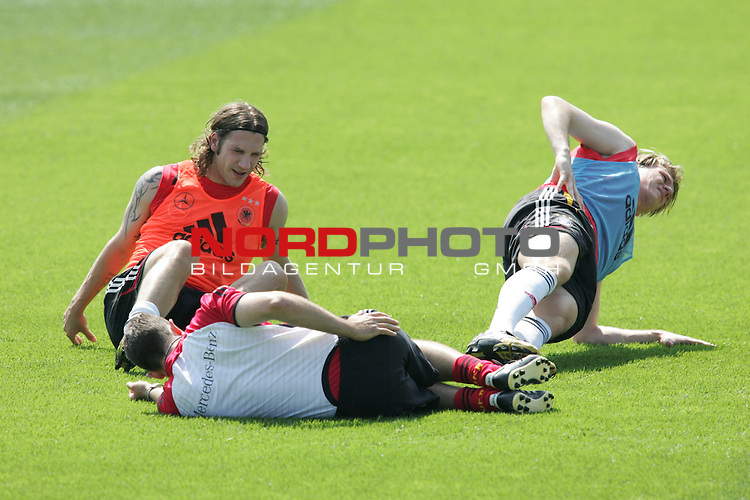 FIFA WM 2006 - Training - Germany<br /> Torsten Frings and Tim Borowski (l-r) during a training session at the World Cup in Berlin (Stadion Wurfplatz). <br /> Foto &copy; nordphoto