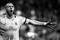 Karim Benzema of Real Madrid during La Liga match between Real Madrid and Barcelona at Santiago Bernabeu Stadium in Madrid, Spain. March 23, 2014. (ALTERPHOTOS/Caro Marin)(EDITORS NOTE: This image has been converted to black and white)