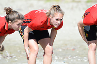 20180302 - LARNACA , CYPRUS :  Belgian Janice Cayman (middle) pictured during a Muscular warm up training session on the beach before a women's soccer game between The Belgian Red Flames and Spain , on friday 2 March 2018 on the CTO Beach in Larnaca , Cyprus . The game will be the second game in group B for Belgium during the Cyprus Womens Cup , a prestigious women soccer tournament as a preparation on the World Cup 2019 qualification duels. PHOTO SPORTPIX.BE | DAVID CATRY