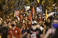 CALI - COLOMBIA, 21-08-2020: Jóvenes marchan durante la Movilización por la Vida convocada en la ciudad de Cali como protesta por la recientes masacres de 5 jóvenes en Cali y 9 en Samaniego, Nariño con lo que, según cifras de UN ya se completan 33 masacres en Colombia durante el 2020. / Young people march during the Mobilization for Life called in the city of Cali to protest the recent massacres of 5 young people in Cali and 9 in Samaniego, Nariño, with which, according to UN figures, 33 massacres are already completed in Colombia during 2020. Photo: VizzorImage / Gabriel Aponte / Staff