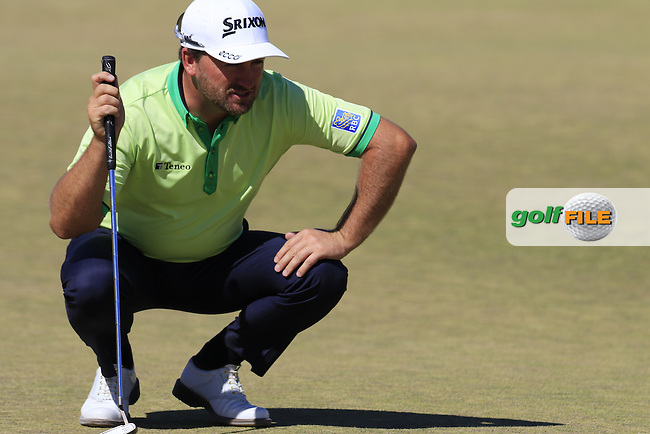 Graeme McDOWELL (NIR) on the 6th green during Friday's Round 2 of the 2015 U.S. Open 115th National Championship held at Chambers Bay, Seattle, Washington, USA. 6/19/2015.<br /> Picture: Golffile | Eoin Clarke<br /> <br /> <br /> <br /> <br /> All photo usage must carry mandatory copyright credit (&copy; Golffile | Eoin Clarke)
