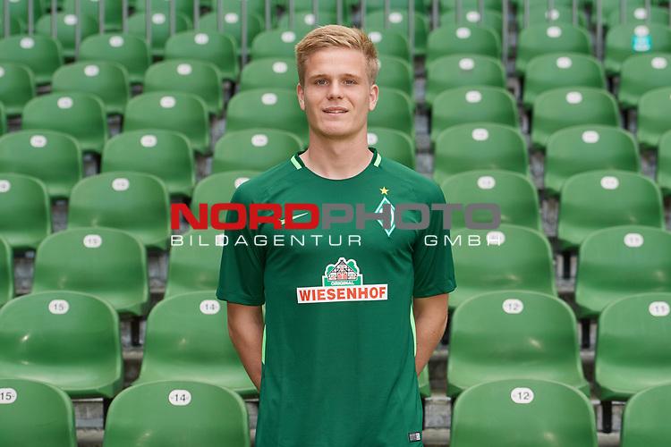 Fu&szlig;ball, GER, /3.Liga, Portr&auml;ttermin 2017/2018,<br /> <br /> Thore Jacobsen (Werder Bremen U23 #36)<br /> <br /> Foto &copy; nordphoto / Kokenge
