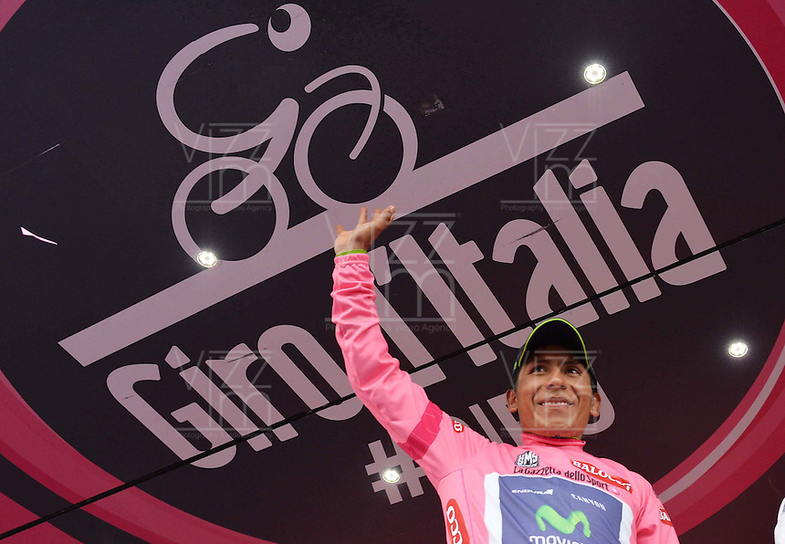 ITALIA - 29-05-2014. Nayro Quintana, ciclista colombiano del equipo Movistar, celebra con la Camiseta Rosa de líder del Giro durante etapa 18 entre Belluno y Panarotta sobre 171 kilómetros, en la versión 97 del Giro de Italia / Nairo Quintana, Colombian cyclist of the Movistar Team, celebrates with Pink Shirt as leader of the Giro during the stage 18 between Belluno and Panarotta about 171 kilometers, in version 97 of the Giro d'Italia.    Photo: VizzorImage/ Fabio Ferrari / LaPresse……….VIZZORIMAGE PROVIDES THE ACCESS TO THIS PHOTOGRAPH ONLY AS A PRESS AND EDITORIAL SERVICE AND NOT IS THE OWNER OF COPYRIGHT; ANOTHER USE HAVE ADDITIONAL PERMITS AND IS  REPONSABILITY OF THE END USER