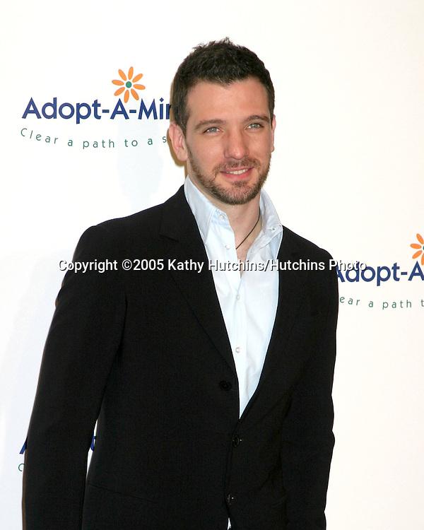 J.C. Chasez.5th Adopt-A-Minefield Gala.Beverly Hilton Hotel.Los Angeles, CA.November 15, 2005.©2005 Kathy Hutchins / Hutchins Photo