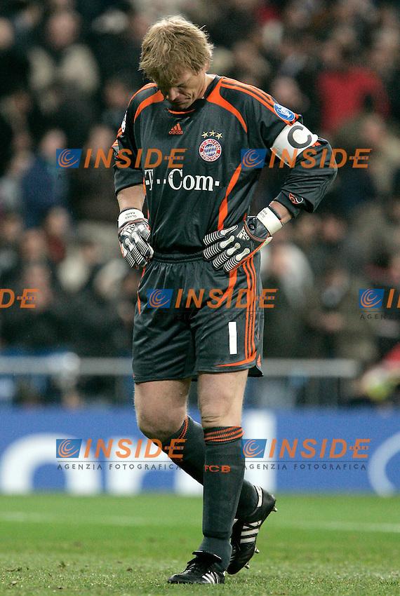 Bayern Munich's Oliver Khan dejected during UEFA Champions League match at Santiago Bernabeu stadium in Madrid, Tuesday February 20, 2007. (ALTERPHOTOS/Alvaro Hernandez).