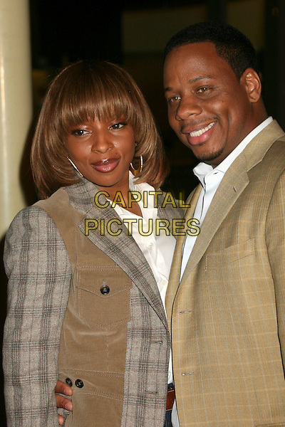 "MARY J. BLIGE & KENDU ISAACS.""I Think I Love My Wife"" Los Angeles Premiere at ArcLight Cinemas, Hollywood, California, USA..March 7th, 2007.half length brown beige grey gray plaid tartan top married husband wife .CAP/ADM/BP.©Byron Purvis/AdMedia/Capital Pictures"