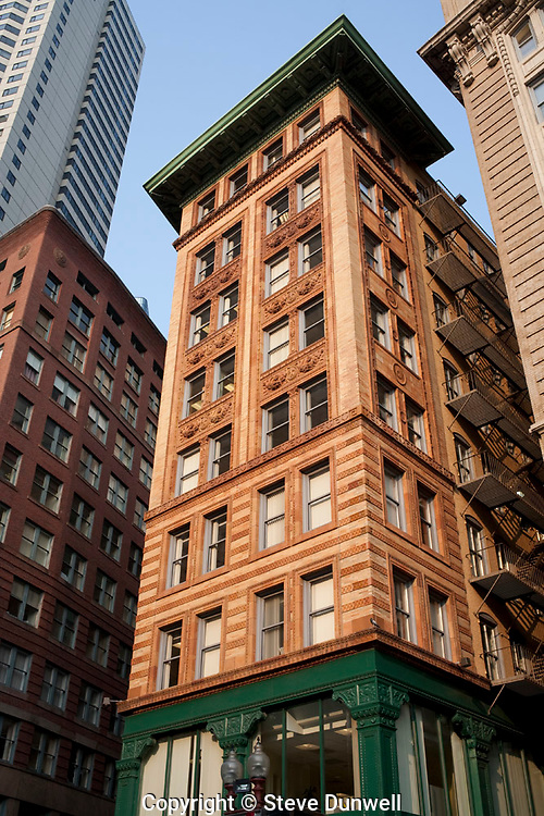 the Winthrop building, Washington Street, Boston, MA (architect = C. H. Blackall, 1893)