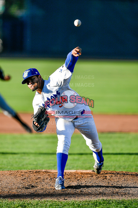 Ogden Raptors starting pitcher Roberth Fernandez (34) delivers a pitch to the plate against the Missoula Osprey in Pioneer League action at Lindquist Field on July 13, 2016 in Ogden, Utah. Ogden defeated Missoula 8-2. (Stephen Smith/Four Seam Images)