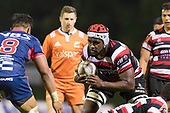 Viliame Rarasea heads towards Peter Samu. Mitre 10 Cup game between Counties Manukau Steelers and Tasman Mako's, played at ECOLight Stadium Pukekohe on Saturday October 14th 2017. Counties Manukau won the game 52 - 30 after trailing 22 - 19 at halftime. <br /> Photo by Richard Spranger.