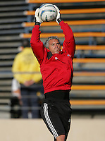 14 May 2005: Scott Garlick of FC Dallas warms up in practice before the game against Earthquakes at Spartan Stadium in San Jose, California.   Earthquakes tied FC Dallas, 0-0.   Credit: Michael Pimentel