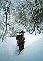 Iraq 2000.In Qandil: Young woman fighter of PKK in winter  Irak 2000. Dans la region de Qandil, jeune combattante du PKK dans la neige