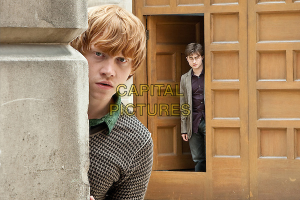 RUPERT GRINT & DANIEL RADCLIFFE.in Harry Potter and the Deathly Hallows: Part 1 .*Filmstill - Editorial Use Only*.CAP/FB.Supplied by Capital Pictures.