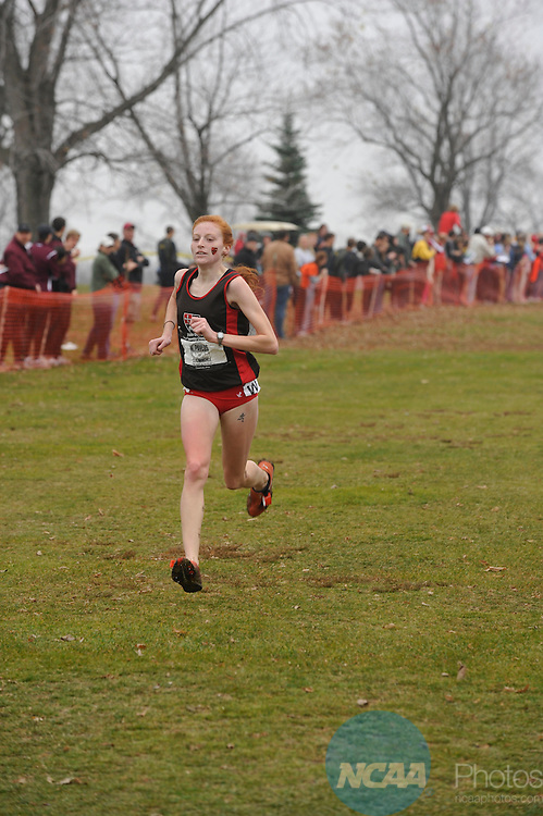 21 NOV 2009: Wendy Pavlus of St. Lawrence leads the pack toward the finish line during the Division III Women's Cross Country Championship held at the Highland Hills Golf Club in Highland Hills, OH. Pavlus won the individual national title with a 21:28.0 time. Stephen Nowland/NCAA Photos