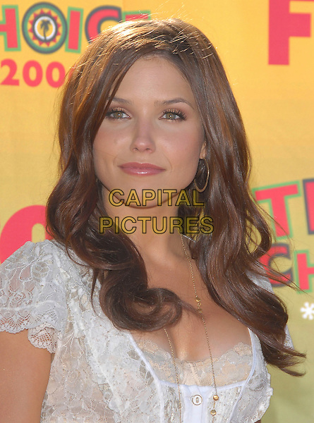 SOPHIA BUSH.At The 2006 Teen Choice Awards - Arrivals, .held at The Universal Ampitheatre in Universal City, California, USA, August 20th 2006..portrait headshot.Ref: DVS.www.capitalpictures.com.sales@capitalpictures.com.©Debbie VanStory/Capital Pictures