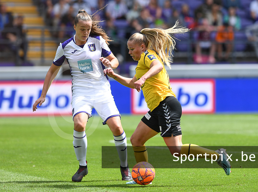 20190810 - ANDERLECHT, BELGIUM : Anderlecht's Tine De Caigny pictured in a duel with LSK's Therese Asland during the female soccer game between the Belgian RSCA Ladies – Royal Sporting Club Anderlecht Dames  and the Norwegian LSK Kvinner Fotballklubb ladies , the second game for both teams in the Uefa Womens Champions League Qualifying round in group 8 , saturday 10 th August 2019 at the Lotto Park Stadium in Anderlecht  , Belgium  .  PHOTO SPORTPIX.BE for NTB NO | DAVID CATRY