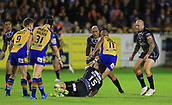 8th September 2017, The Mend-A-Hose Jungle, Castleford, England; Betfred Super League, Super 8s; Castleford Tigers versus Leeds Rhinos; Jesse Sene-Lefao of Castleford Tigers goes for the tackle and misses Jamie Jones-Buchanan of Leeds Rhinos