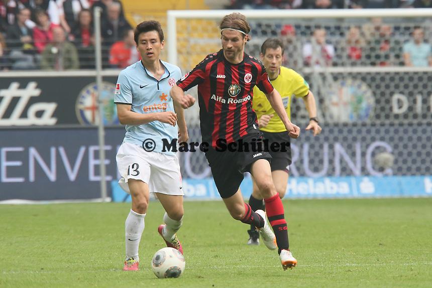 Martin Lanig (eintract) gegen Ja-Choel Koo (Mainz) - Eintracht Frankfurt vs. 1. FSV Mainz 05