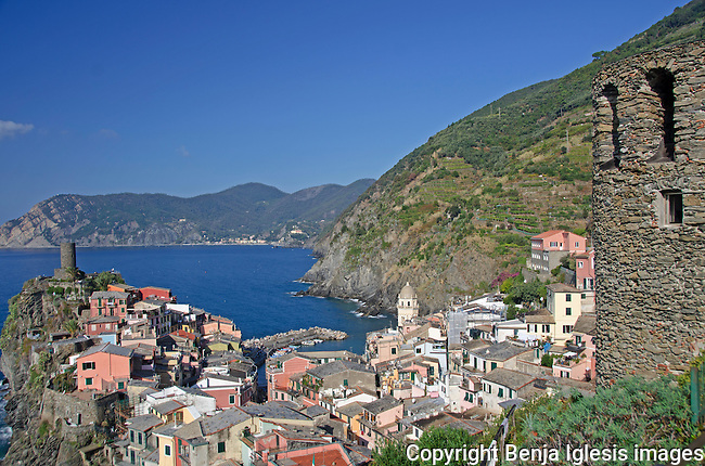 View of the italian town of Vernazza from the trail behind the castle.