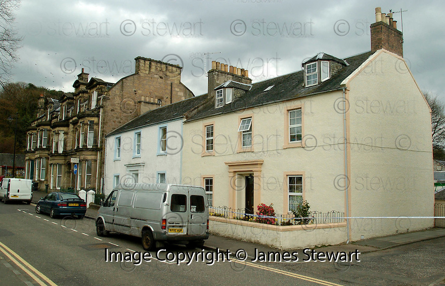 24/04/2006         Copyright Pic: James Stewart.File Name : sct_jspa07_boa_terrorism.THE HOUSE IN UNION STREET, BRIDGE OF ALLAN, RAIDED BY OFFICERS FROM CENTRAL SCOTLAND POLICE.... Payments to :.James Stewart Photo Agency 19 Carronlea Drive, Falkirk. FK2 8DN      Vat Reg No. 607 6932 25.Office     : +44 (0)1324 570906     .Mobile   : +44 (0)7721 416997.Fax         : +44 (0)1324 570906.E-mail  :  jim@jspa.co.uk.If you require further information then contact Jim Stewart on any of the numbers above.........