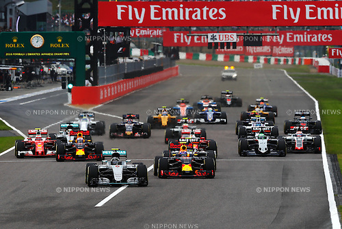 Start, <br /> OCTOBER 9, 2016 - F1 : Japanese Formula One Grand Prix Final <br /> at Suzuka Circuit in Suzuka, Japan. (Photo by Sho Tamura/AFLO) GERMANY OUT