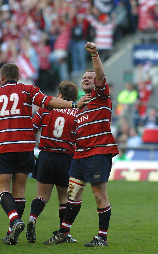 Photo. Jo Caird.Gloucester v Northampton Saints. Powergen Cup Final. 05/04/2003.Andy Deacon celebrates.