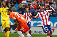 Getafe´s goalkeeper Guaita and Atletico Madrid´s Mexican forward Raul Jimenez