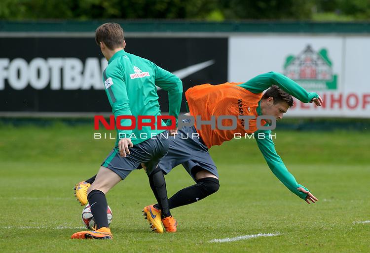 14.05.2015, Trainingsgelaende, Bremen, GER, 1.FBL, Training Werder Bremen, im Bild Luca Zander (Bremen #19), Zlatko Junuzovic (Bremen #16)<br /> <br /> Foto &copy; nordphoto / Frisch